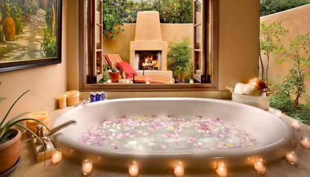 bathroom-decoration-with-candles